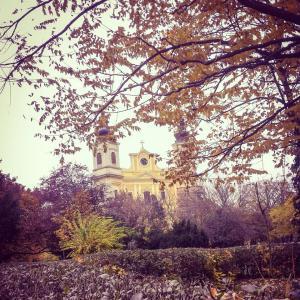 Bazilica by Gabriella Bethlendi