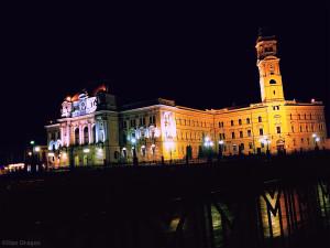 Primaria Oradea noaptea dupa malul crisului