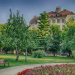 Palatul Ullmann privit din Parcul 1 Decembrie