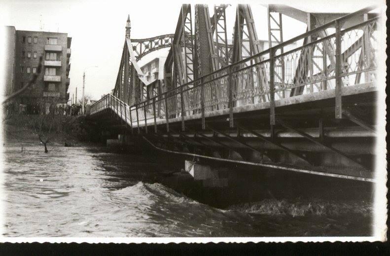 Fostul pod Decebal in anii 80′