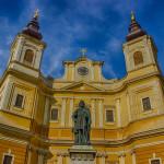 Bazilica Romano-Catolica si Statuia Sf Ladislau