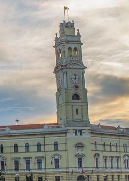 Vizitează Turnul Primăriei