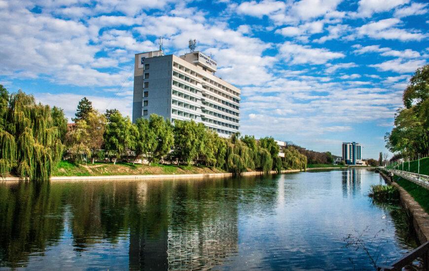 Hotel Continental si Hotel Hilton
