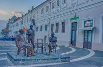 Statuia Holnaposok
